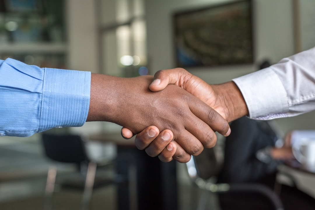 ¿Pueden venderse bienes anejos entre copropietarios?